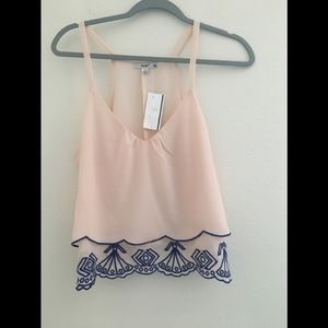 MWT Papaya/ Cute top with layer in the front. Sz L